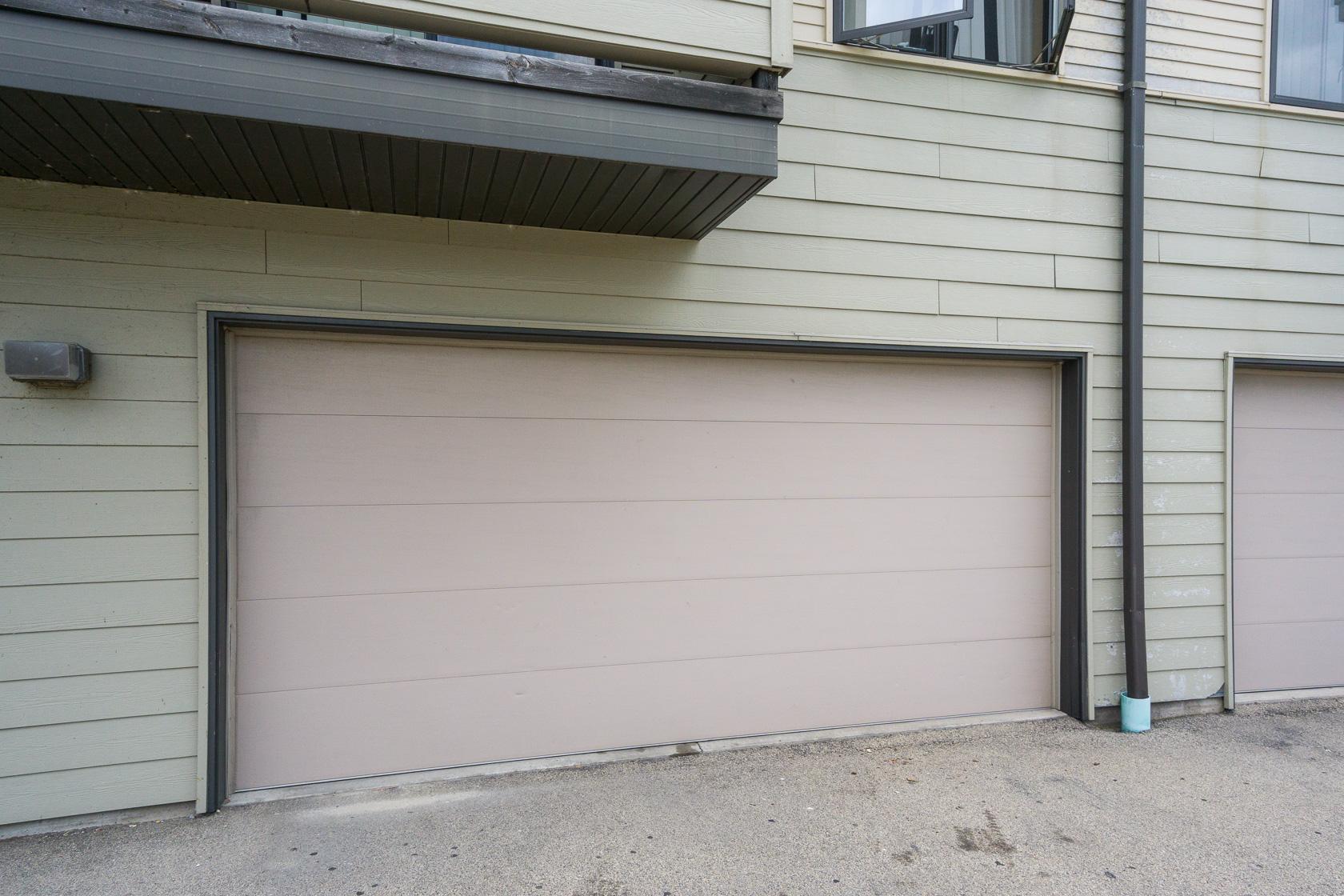 Dawes Townhouse 2-car Garage
