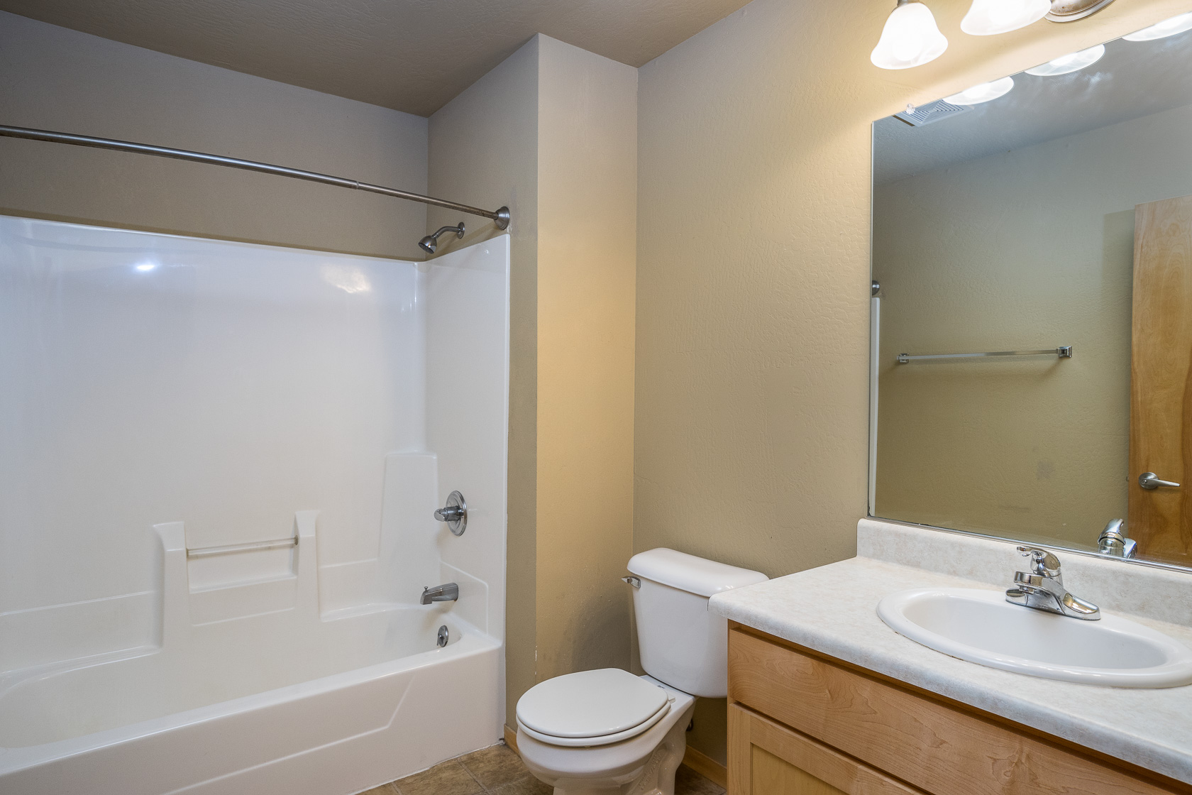 Dawes Townhouse Bathroom